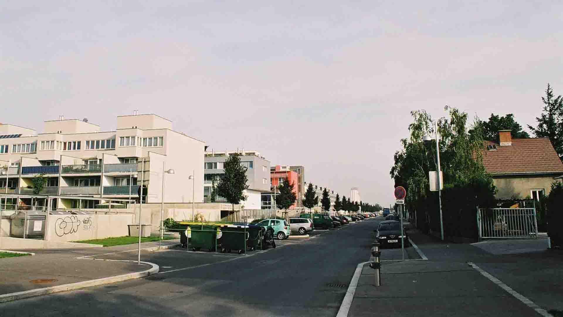 2a_PLAYstudio_Liesing area-Wien_2004