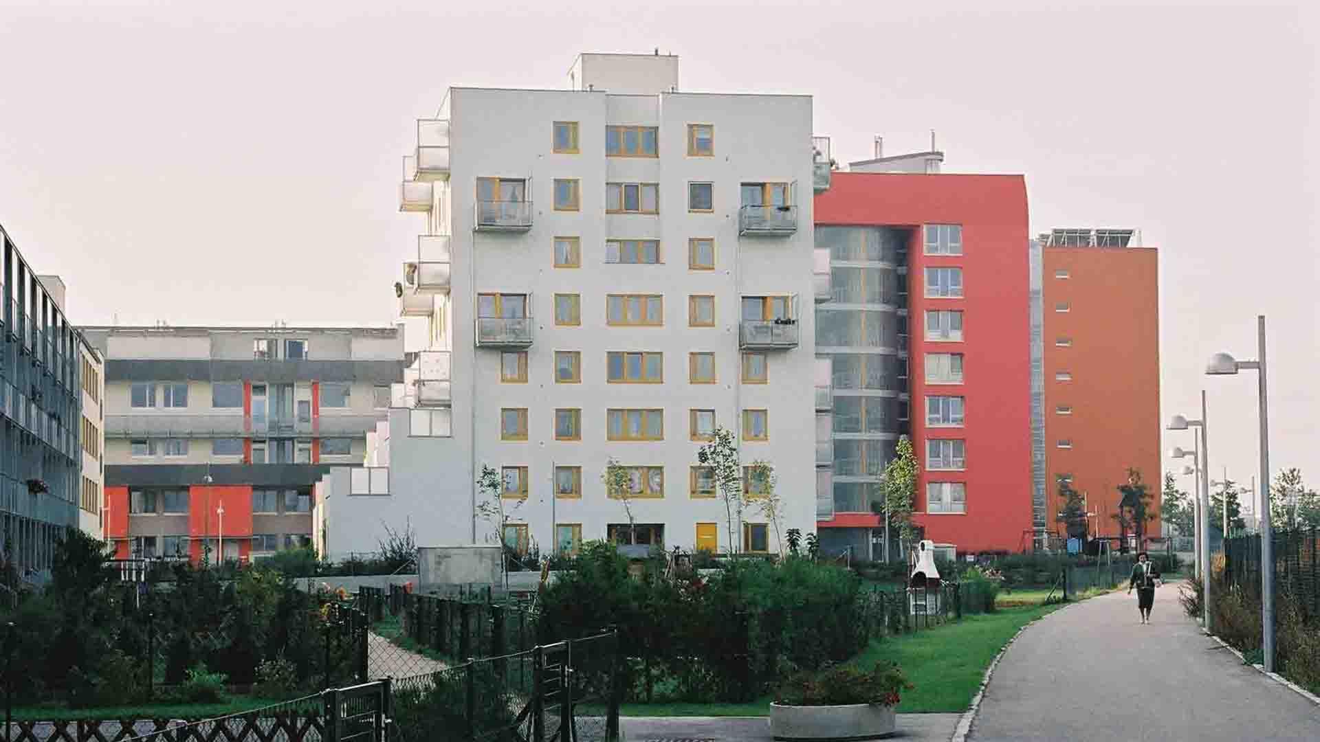 2b_PLAYstudio_Liesing area-Wien_2004